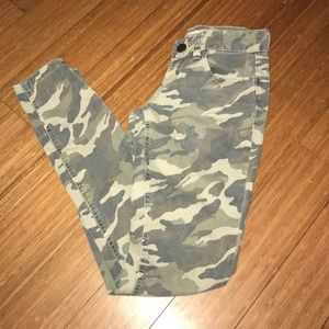 YMI camouflage skinny pants/jeans